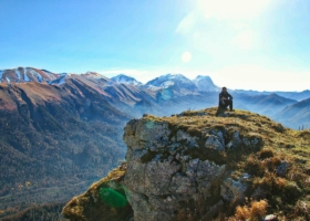 Rooftop tent lifestyle: family friendly, benefits & alternative to camper van?! – 5 travel stories